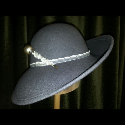 Grey flip brim with pearl hat pin